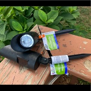 NWT Garden Solar-Powered Spotlights